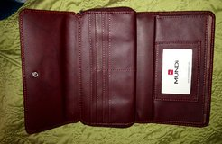 Brand new large wallet/nvr used in Vista, California