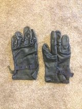 Military Black Leather Men and Womens Size 4 in Nellis AFB, Nevada