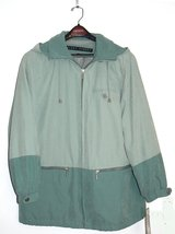 #51 Size M NEW Fleet Street Aqua Water Repellent Raincoat with Hood in Ramstein, Germany