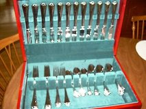 new reed & barton 'hadley'' complete dinner service set-service for 12 stainless in Bartlett, Illinois