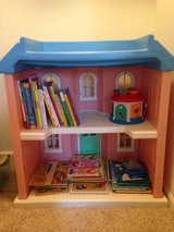 Little Tikes Classic Doll house *BIG* in Bolingbrook, Illinois